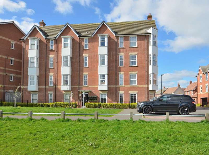 2 Bedrooms Flat for sale in Fletton Dell, Woburn Sands