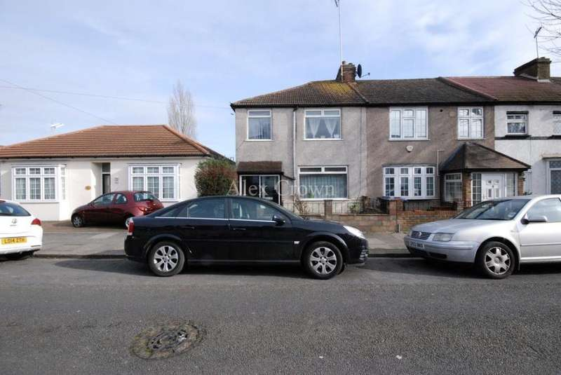 4 Bedrooms House for sale in Chichester Road, Edmonton
