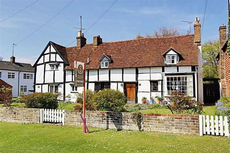 4 Bedrooms Link Detached House for sale in Aldbury, Tring