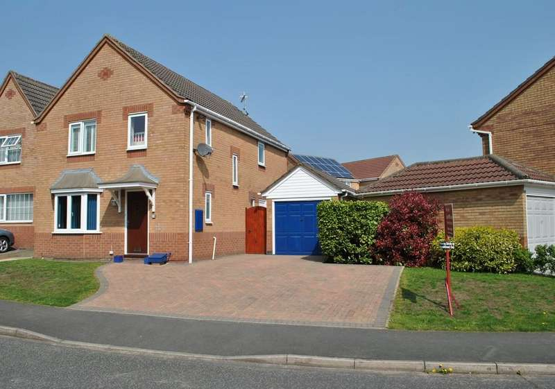 4 Bedrooms Detached House for sale in Collingtree Avenue, Winsford