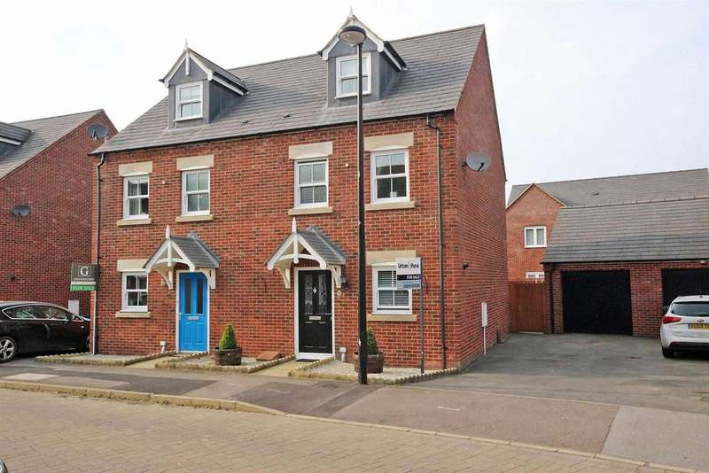 3 Bedrooms Semi Detached House for sale in Fieldfare View, Wixams