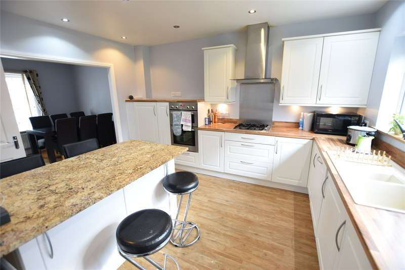 4 Bedrooms Detached House for rent in Pheasant View, Bracknell, Berkshire, RG12