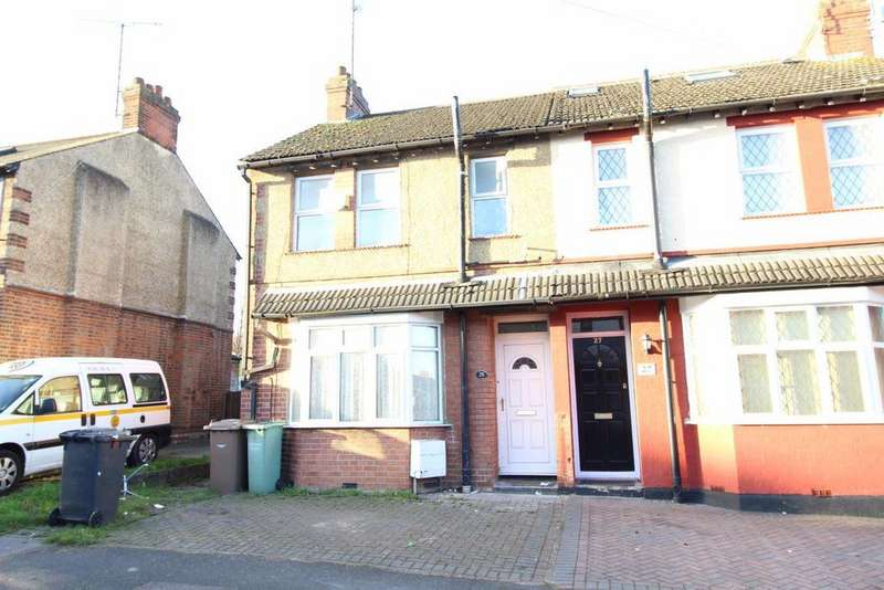 4 Bedrooms House for rent in St Catherines Avenue - Ref - P9945