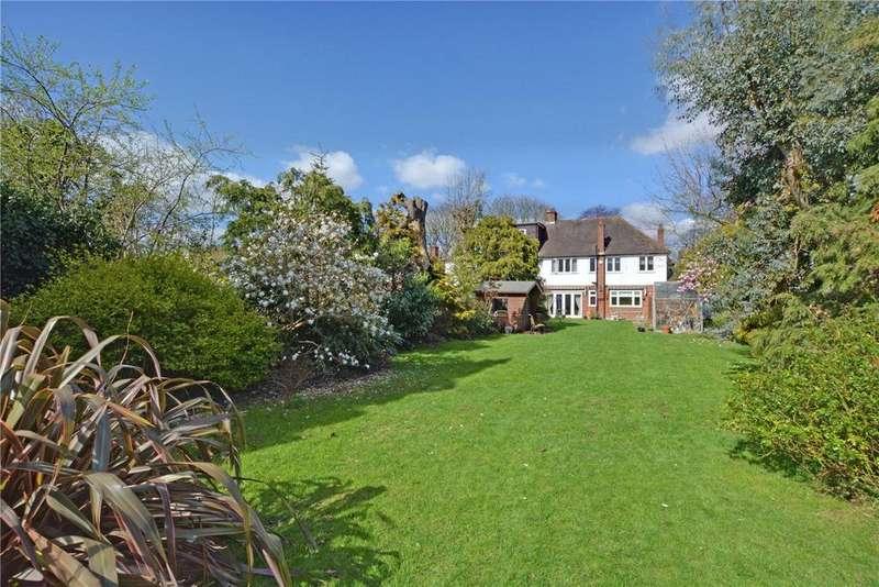 4 Bedrooms Semi Detached House for sale in West Park, London, SE9