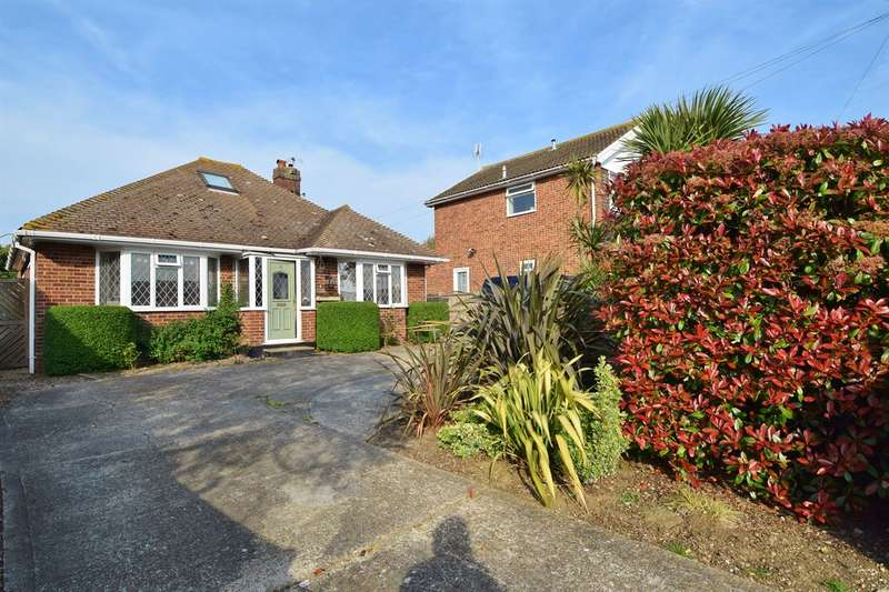 4 Bedrooms Detached Bungalow for sale in Kimberley Grove, Seasalter, Whitstable