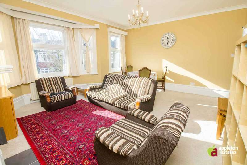 3 Bedrooms Flat for rent in Longley Road, South Croydon