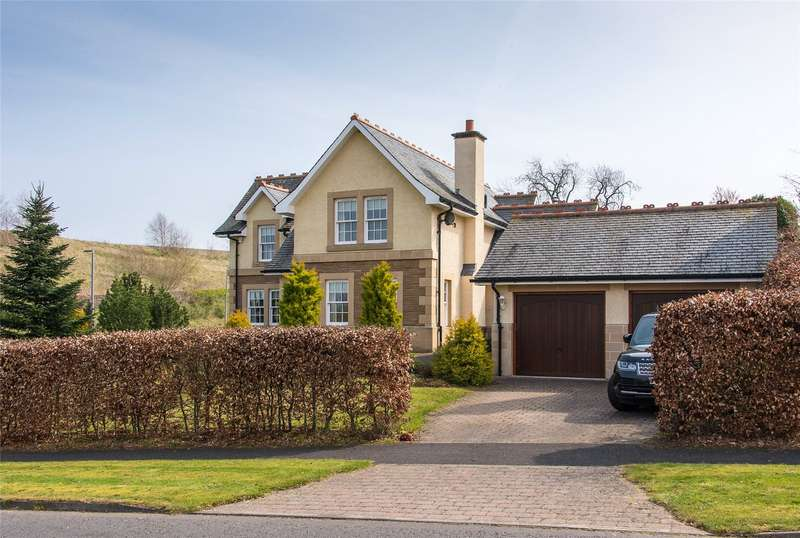 4 Bedrooms Detached House for sale in 1 Bowmont Court, Sunlaws Village, Kelso, Scottish Borders, TD5
