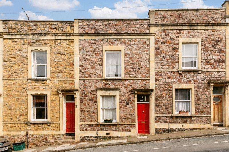 2 Bedrooms Terraced House for sale in Ambra Vale East, Cliftonwood