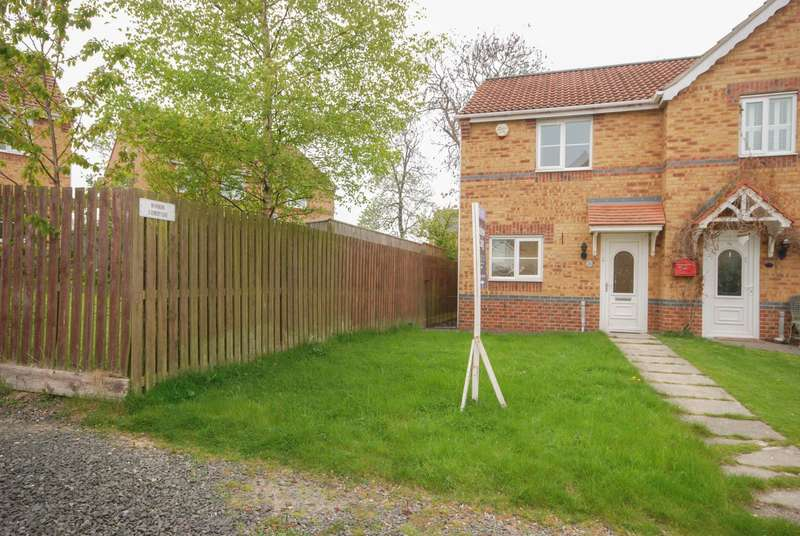 2 Bedrooms House for sale in Hemsby Close, Havelock Park