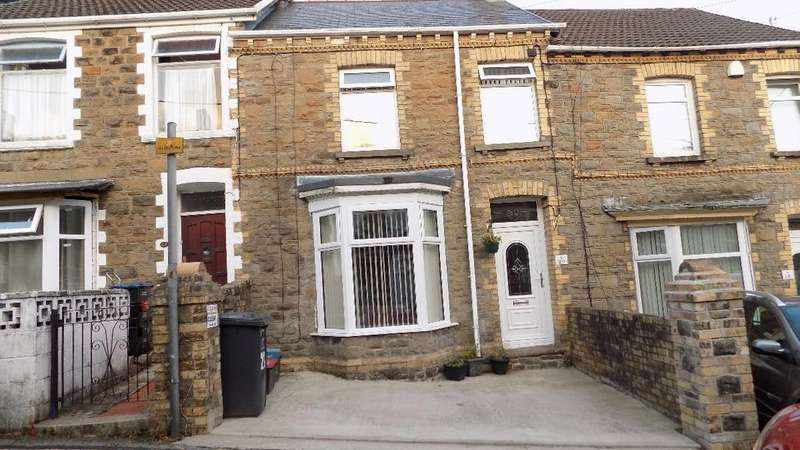 3 Bedrooms Terraced House for sale in Cromwell Street, Abertillery. NP13 1QG.