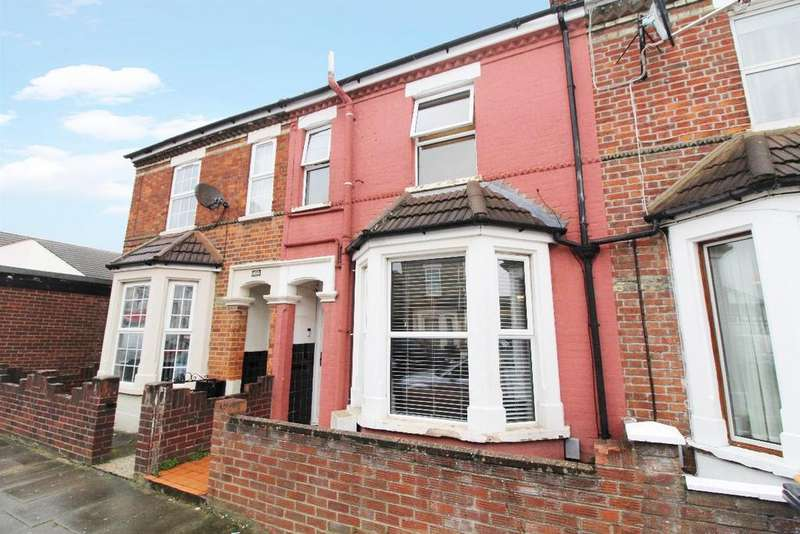 3 Bedrooms Terraced House for sale in Lawrence Street, Bedford MK40