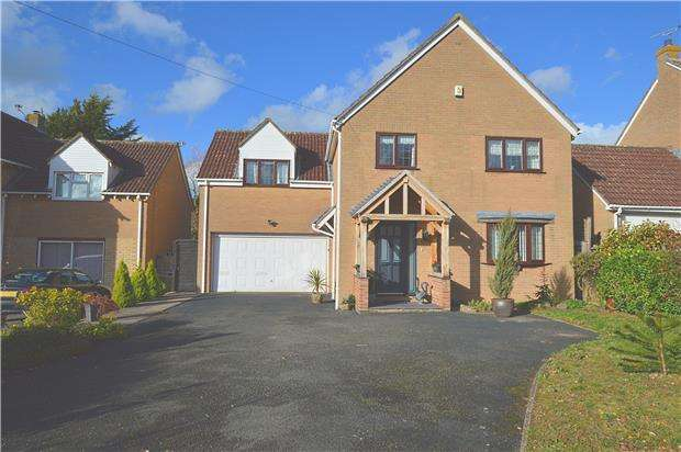 5 Bedrooms Detached House for sale in Banady Lane, Stoke Orchard, Cheltenham, Glos, GL52 7SJ