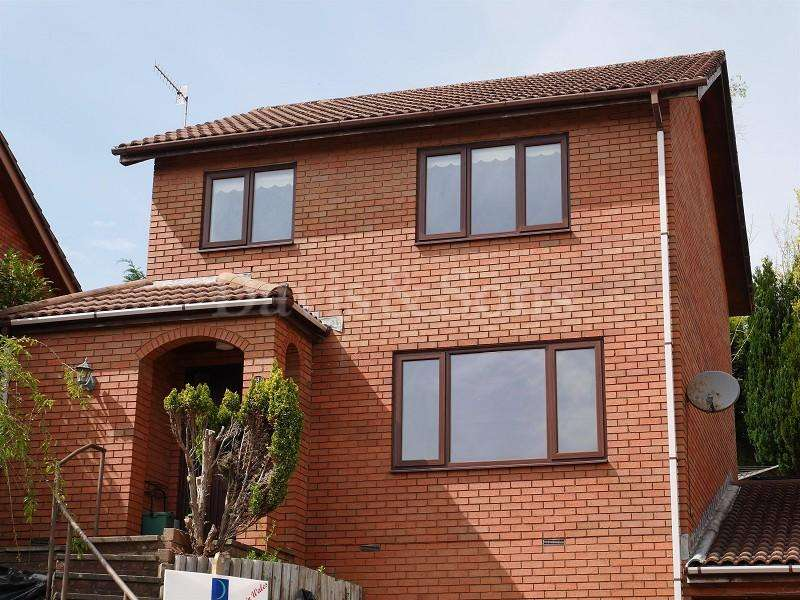 3 Bedrooms Detached House for sale in Beechwood Close, Newbridge, Newport. NP11