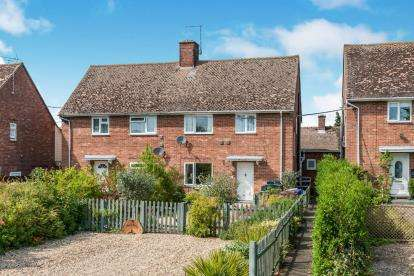 3 Bedrooms Semi Detached House for sale in Lakenheath, Brandon, Suffolk