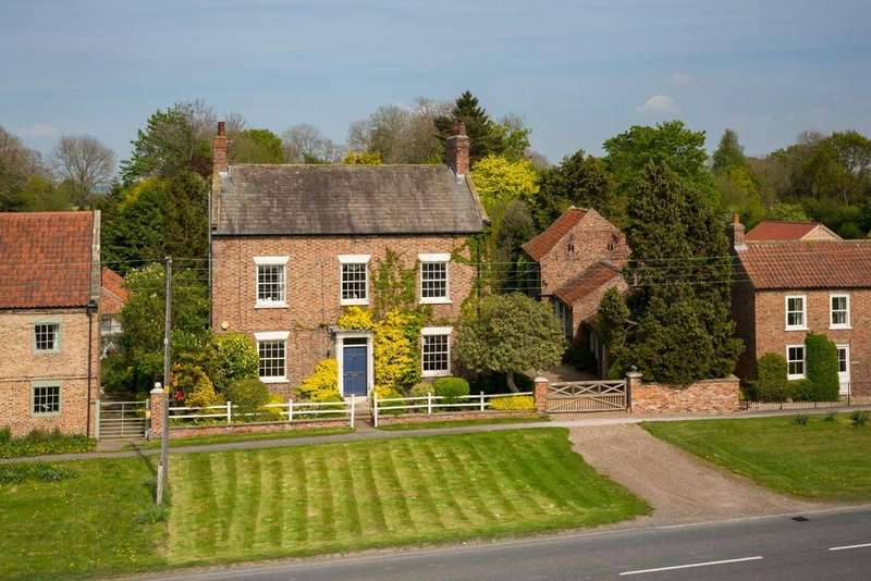 5 Bedrooms Country House Character Property for sale in Flaxton, York