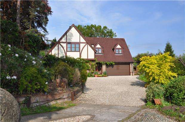 4 Bedrooms Detached House for sale in Stone Lane,Winterbourne Down BS36 1DH