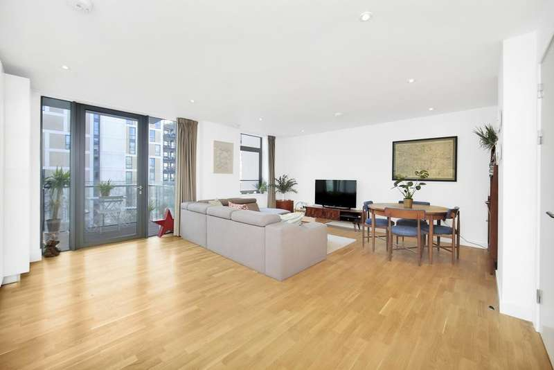 3 Bedrooms Flat for sale in Scarlet Close, London E20