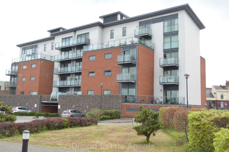 2 Bedrooms Flat for sale in Mumby Road, Gosport