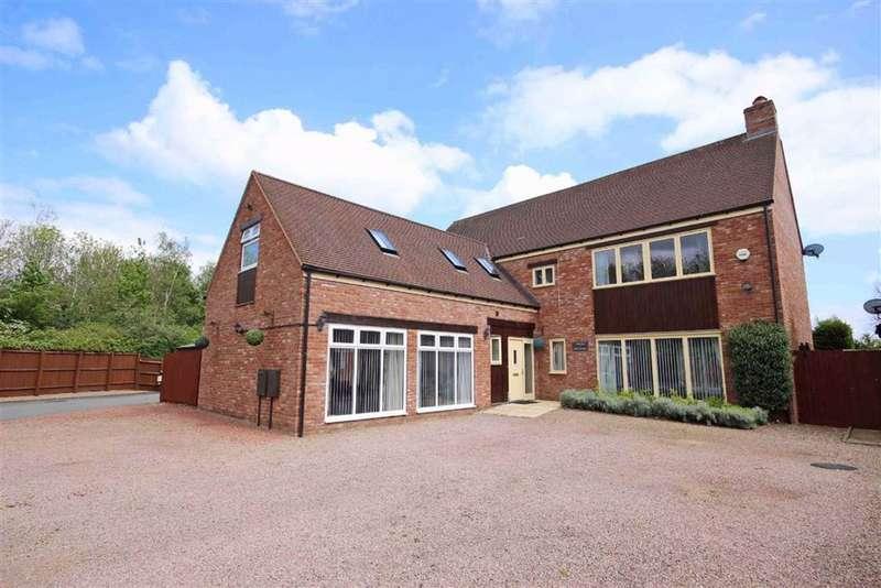 5 Bedrooms Detached House for sale in Earls Meadow, Warwick, CV34
