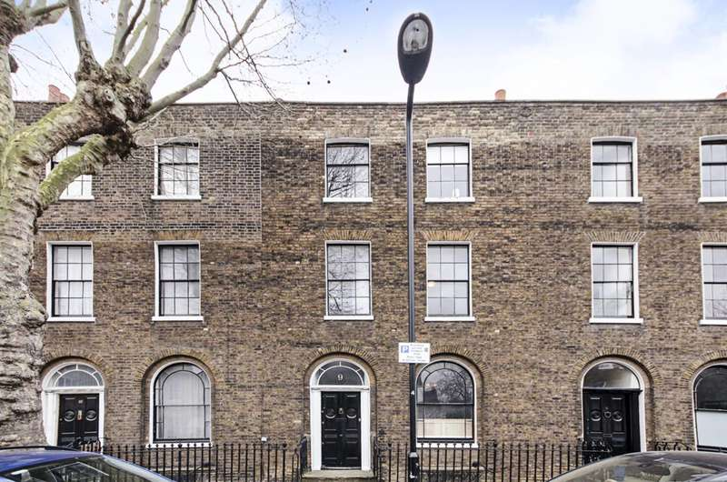 4 Bedrooms House for sale in Sutton Place, Hackney, E9