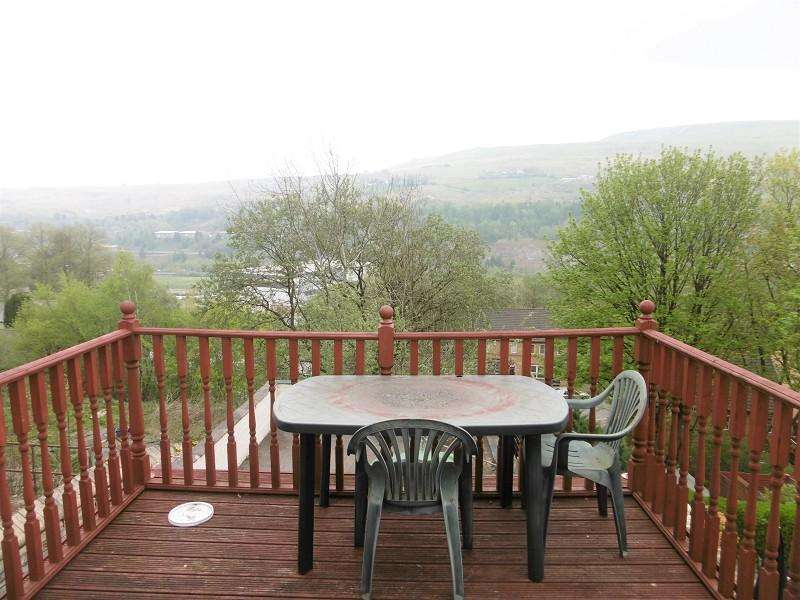 2 Bedrooms End Of Terrace House for sale in Church Crescent, Ebbw Vale, Blaenau Gwent.