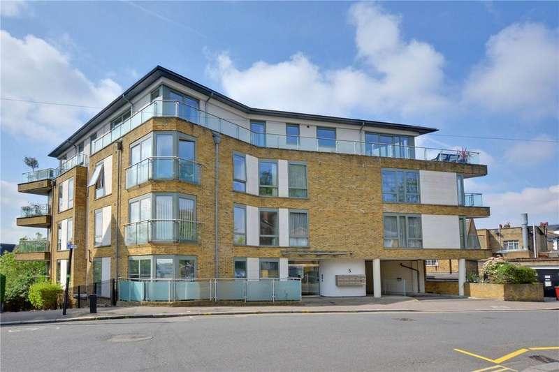 2 Bedrooms Flat for sale in Wemyss Road, Blackheath, London, SE3