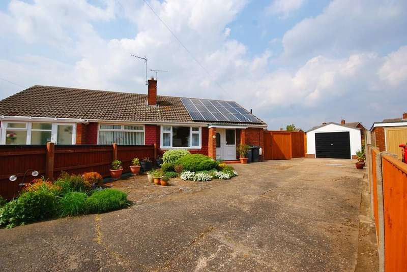 2 Bedrooms Semi Detached Bungalow for sale in Cherry Tree Close, North Hykeham