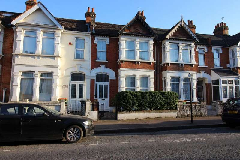 3 Bedrooms Terraced House for sale in Central Park Road, London, E6
