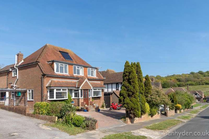 5 Bedrooms Detached House for sale in Welesmere Road, Rottingdean, Brighton BN2