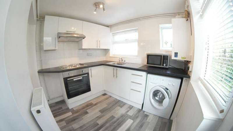 2 Bedrooms Cottage House for rent in Pinkneys Drive, Maidenhead