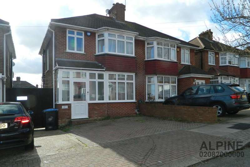 3 Bedrooms Semi Detached House for sale in Crummock Gardens, London NW9