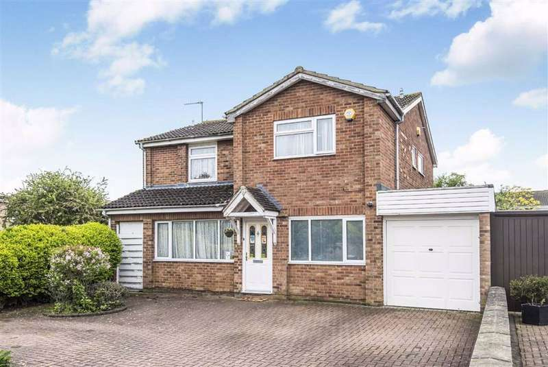4 Bedrooms Detached House for sale in Dunvegan Way, Bedford