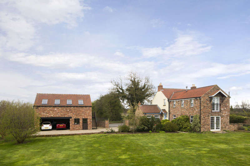 5 Bedrooms Detached House for sale in Pottery Lane, Littlethorpe, Ripon