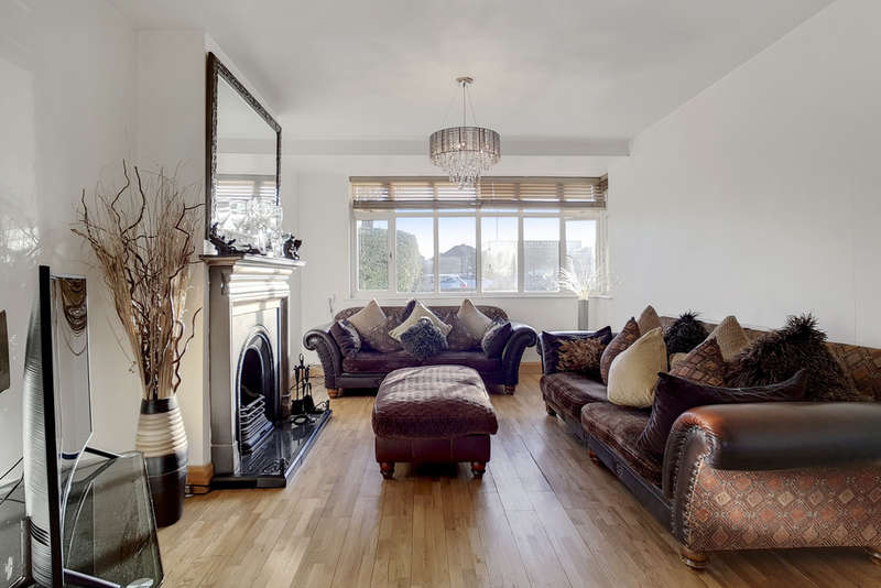 4 Bedrooms Semi Detached House for sale in Sidcup Road, Eltham, SE9 (JH)