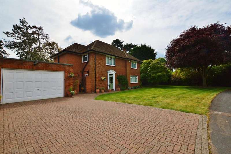 4 Bedrooms Detached House for sale in Church Road, Farnham Royal, South Bucks