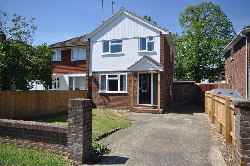 3 Bedrooms Semi Detached House for sale in Nightingale Road, Woodley, Reading, RG5 3LY