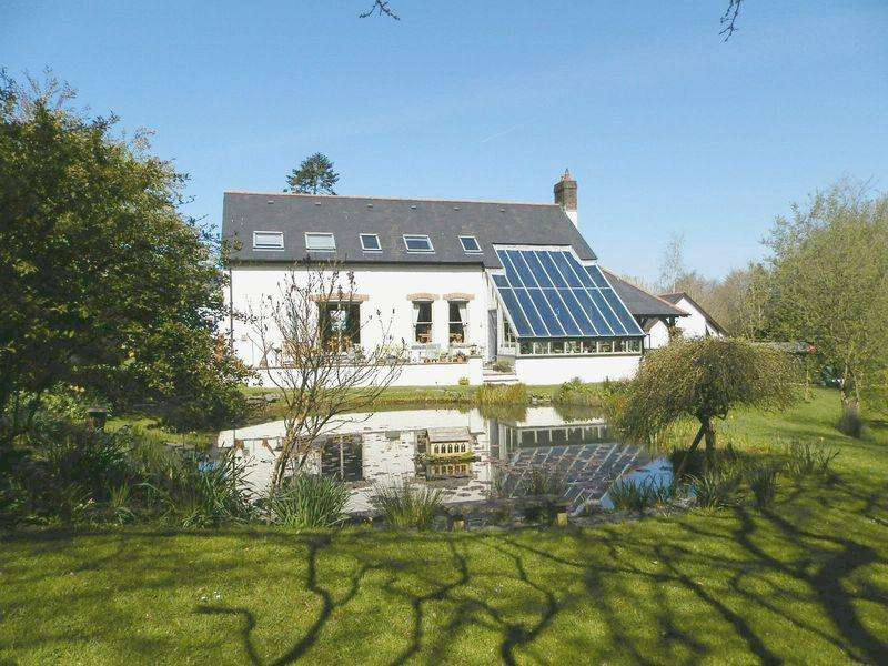 3 Bedrooms Detached House for sale in Pentrecagal, Newcastle Emlyn