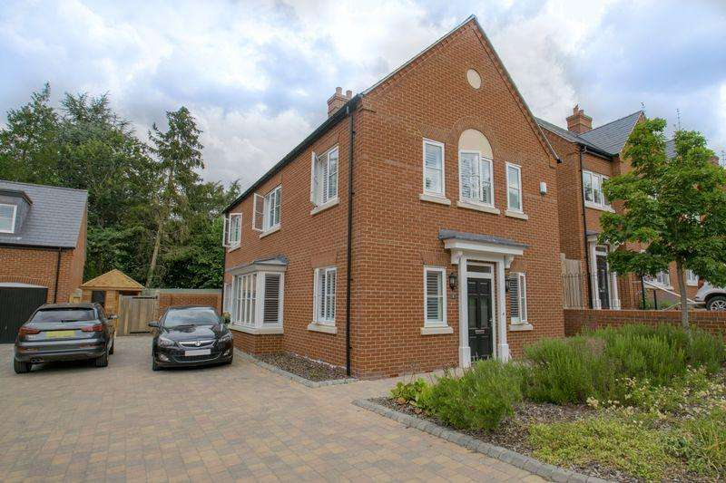 3 Bedrooms Detached House for sale in St. Georges Place, Ampthill