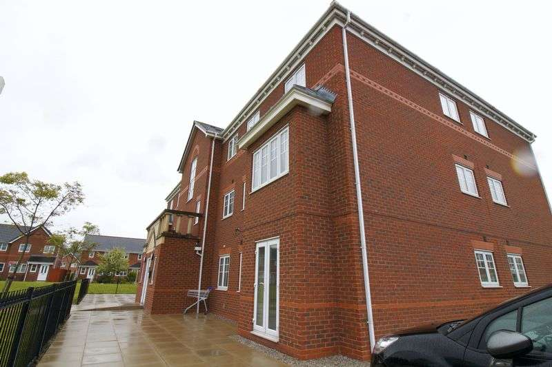 2 Bedrooms Property for sale in Regency Square, Warrington