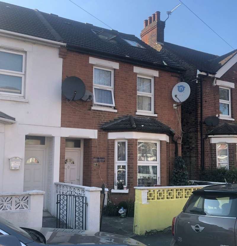 4 Bedrooms Semi Detached House for sale in College Avenue, Slough, Berkshire, SL1 2NB