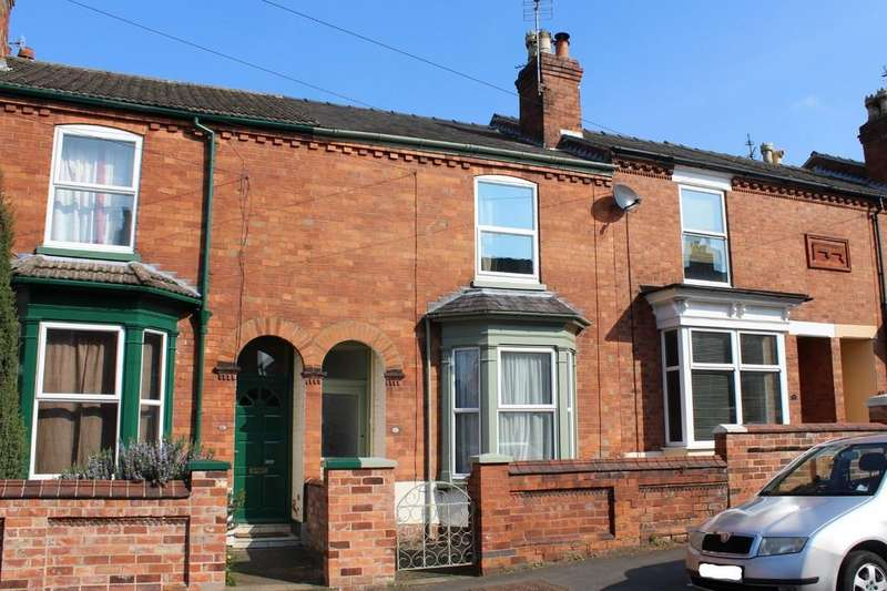 2 Bedrooms Terraced House for sale in York Avenue, Lincoln