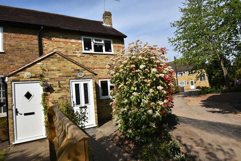 2 Bedrooms Cottage House for rent in Lock Lane, Maidenhead