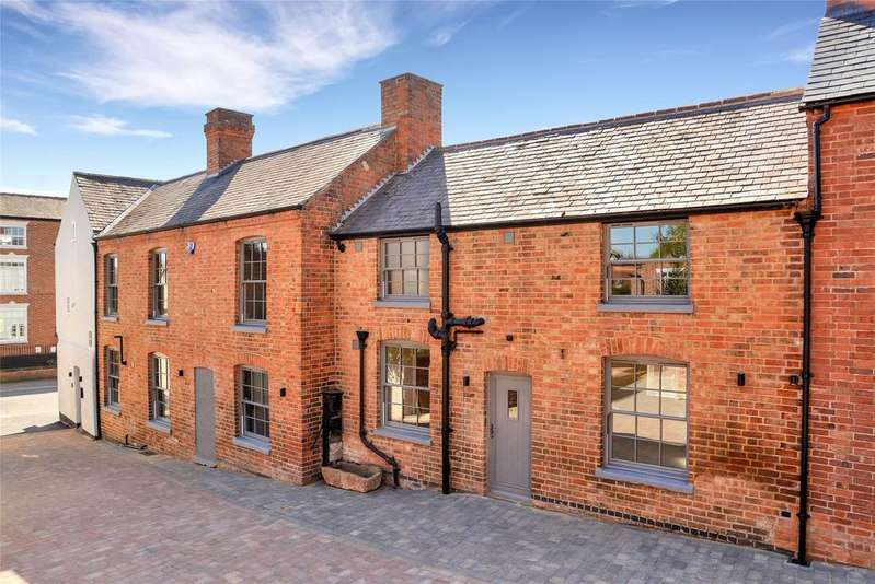 3 Bedrooms Terraced House for sale in Far Street, Wymeswold, Leicestershire