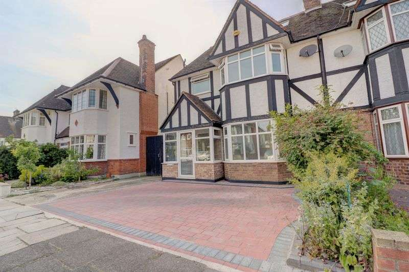 4 Bedrooms Property for sale in Willow Way, London