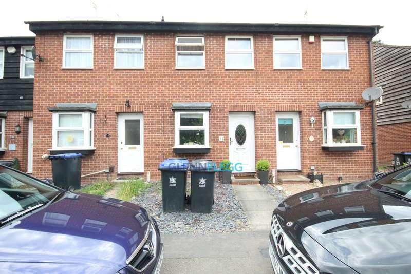 2 Bedrooms Terraced House for rent in Harkness Road, Burnham