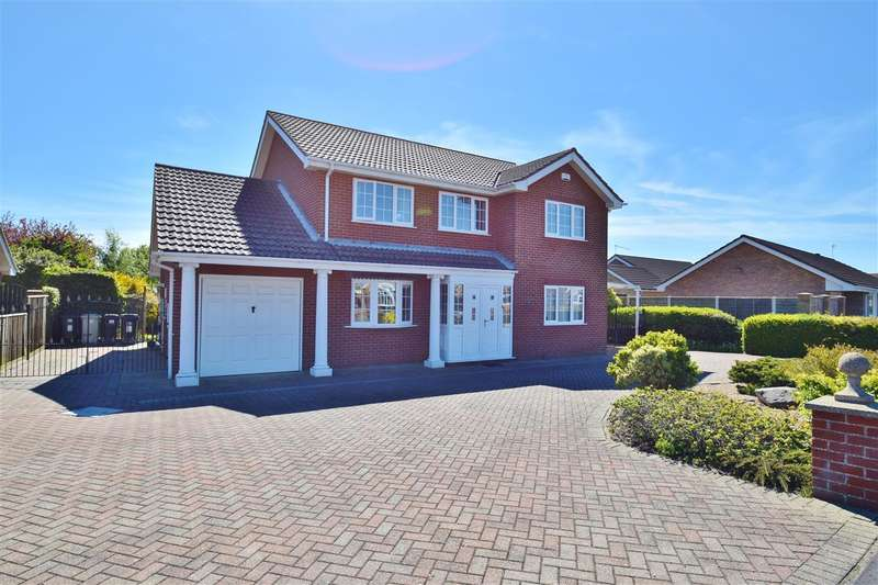 4 Bedrooms Detached House for sale in Beacon Park Drive, Skegness