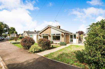 2 Bedrooms Bungalow for sale in Riverside Gardens, Langford, Biggleswade, Bedfordshire