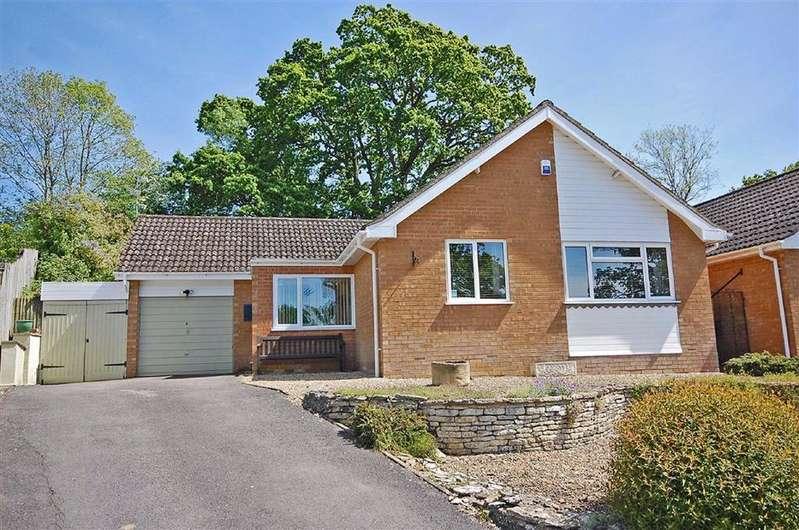 3 Bedrooms Detached Bungalow for sale in Oakhurst Rise, Charlton Kings, Cheltenham, GL52