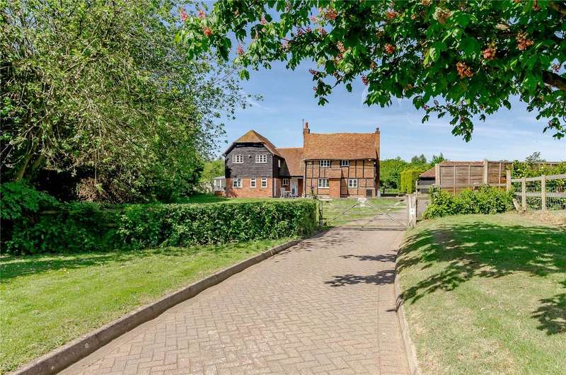 5 Bedrooms Detached House for sale in Howe Lane, White Waltham, Maidenhead, Berkshire, SL6
