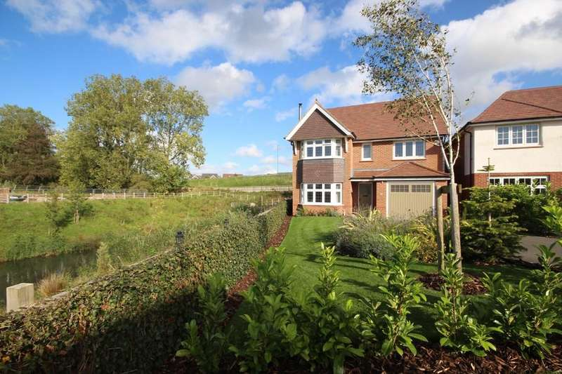 4 Bedrooms Detached House for sale in Whitley Drive, Buckshaw Village